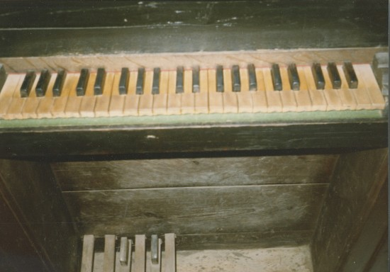EVORA CATHEDRAL - ORGAN KEYDESK, 1985 TOUR