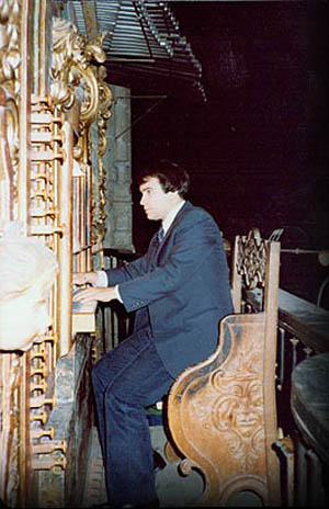Joseph Bertolozzi in concert at the New Cathedral in Salamanca, Spain in 1982