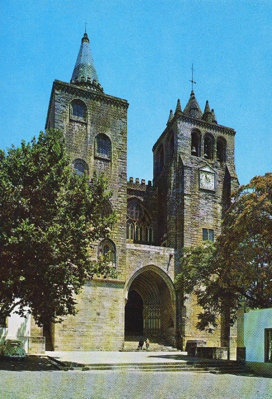 The Se (or cathedral) of Evora, Portugal, built between 1280 and 1340.